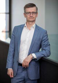 Implementace technologických řešení pro snížení CO2 stopy, P. Kubička, ČEZ ESCO, ČR