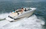 Super motorový člun skajutouRegal LS4C.
