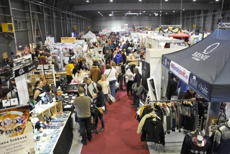 Crowds of  visitors at Christmas trade fair 2018