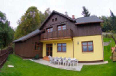 BONUSOVÁ CENA - Voucher na ubytování v krásné chatě v Albrechticích od společnosti ASICS v hodnotě 10 000 Kč